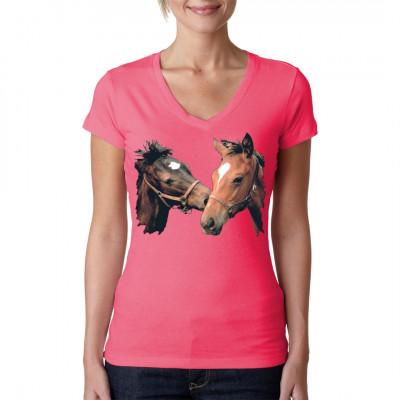 Wie es aussieht haben sich auf diesem süßen Pferdemotiv zwei Freunde fürs Leben gefunden. Was die beiden wohl für eine Kutsche ziehen sollen?  Motivgröße: ca 10x14 Zoll