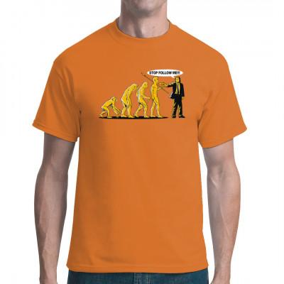 Die Evolution des Menschen ist nicht jedermanns Sache. Vincent Vega will nichts von diesen komischen Typen hinter ihm wissen. Tolles Fun-Motiv für dein Shirt, ideal für Fans von Pulp Fiction.  Motivgröße: ca. 24x14cm