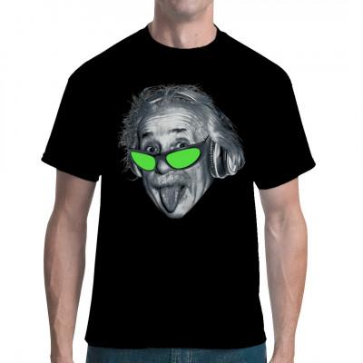 Albert Einstein - heute Ikone und wissenschaftlicher Popstar - hier nicht nur mit der berühmten herausgestreckten Zuge, sondern auch mit Kopfhörern und Sonnenbrille.