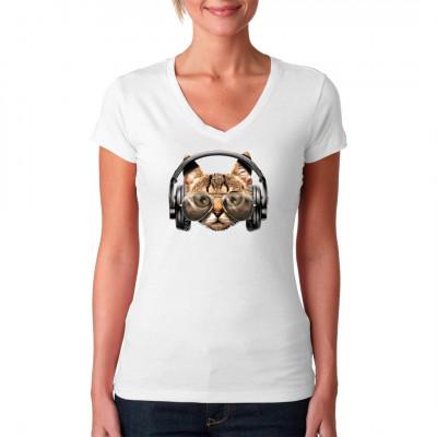 Diese Mieze steht auf Bässe. Eine Katze mit Kopfhörern und Sonnenbrille? Warum nicht, auch Pelzträger haben ein Recht auf Chillout. Hol dir diesen süßen Stubentiger als Motiv für dein T-Shirt, Sweatshirt oder V-Neck.