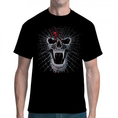 Gruseliger Totenkopf aus Spinnweben mit einer großen roten Giftspinne.  Wer Angst vor Spinnen hat sollte die Finger von diesem düsteren Shirt - Motiv lassen.