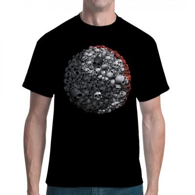 Shirt mit dem Yin-Yang-Symbol aus Totenköpfen. Die Begriffe Yin und Yang kommen aus der chinesischen Philosophie und stehen für einander entgegengesetzte und gleichzeitig aufeinander bezogene Kräfte.