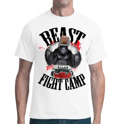 Dieser Gorilla ist ein echtes Tier im Ring. Ausgerüstet mit den für Muay Thai üblichen Shorts und Handbandagen, triumphiert er über alle Gegner in seinem Fight Camp.  Cooles Kampfsport - Motiv, nicht nur für Fans asiatischer Kampfkunst
