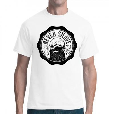 Totenkopf mit Vollbart als Fun Shirt Motiv.