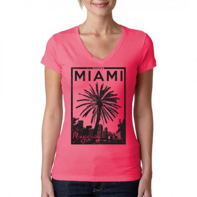 Bist du auch urlaubsreif, aber der Sommer ist noch so weit entfernt? Dann hol dir ein bisschen Sommer-Feeling für dein T-Shirt mit diesem sommerlichen Palmen - Motiv.