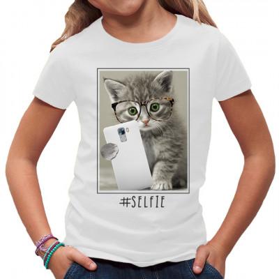 Knuddeliges Shirt Motiv: Selfie Miez. Witziges Motiv für alle Fans des gepflegten Catcontents. In vielen Größen und Farben erhältlich.