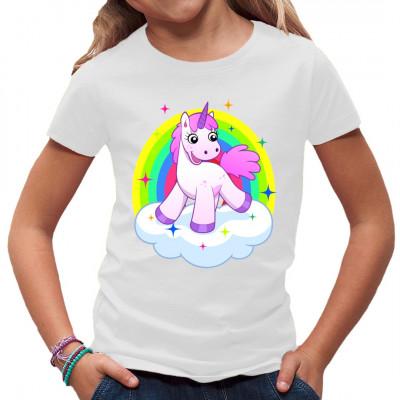 Knuffiges rosa Comic Einhorn mit Regenbogen auf einer Wolke.  Über dieses fluffig-freundliche Shirt-Motiv freuen sich nicht nur Kinder. Einhörner rocken!  Mittels Digital-Direktdruck aufgebracht. waschfest