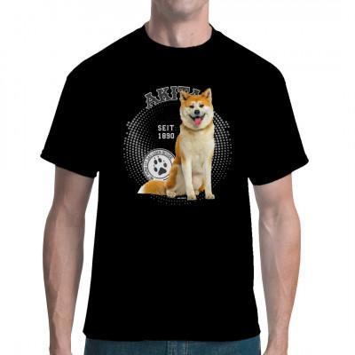 Hunde T-Shirt Motiv: Akita Foto Hol Dir noch heute dieses tolle Hunde Motiv für dein T-Shirt, Sweatshirt oder V-Neck, denn mit Hund ist das Leben besser.