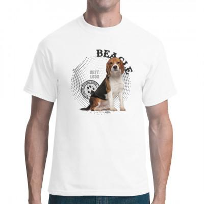 Tolles Foto von einem Beagle als Motiv für dein T-Shirt, Sweatshirt oder V-Neck. Idealer Shirt Druck für alle Hunde Fans.  Mittels Digital-Direktdruck aufgebracht. waschfest