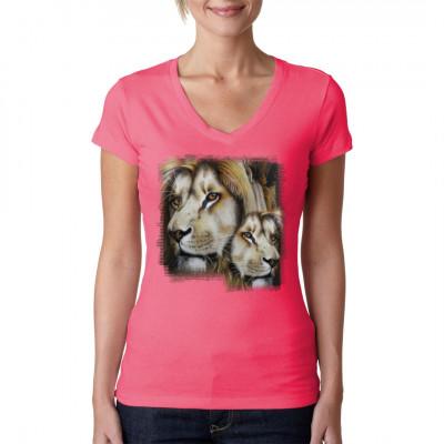 Zwei majestätische Könige der Tiere als hochauflösender Druck für dein Shirt. Gibt es etwas, das mehr für Kraft und Eleganz steht als Löwen?  Motivgröße: 13x13 Zoll