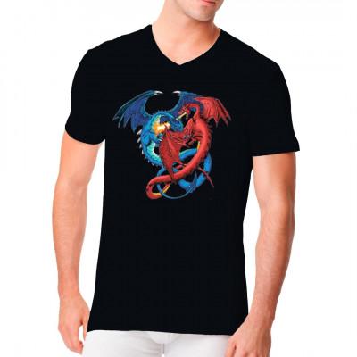 T-Shirt Motiv: Dueling Dragons  Ein blauer Eis- und ein roter Feuerdrache im Kampf um Leben und Tod. Ein tolles Motiv für Fantasy Fans.