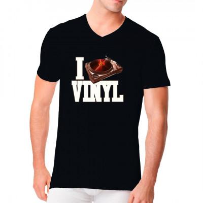 Musik - Motiv: I Love Vinyl Für alle Fans der Schallplatte: Mit diesem Shirt könnt ihr eure Liebe zur analogen  Wiedergabe in diesem digitalen Zeitalter ausdrücken.