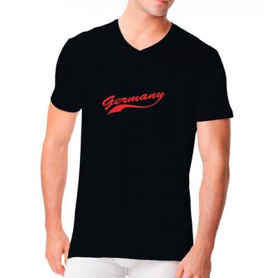 Germany - Schriftzug im Stil des Logos eines großen Brauseherstellers. Parodie Fun Motiv für dein T-Shirt, Sweatshirt oder V-Neck  Mittels Flexdruck aufgebracht. waschfest