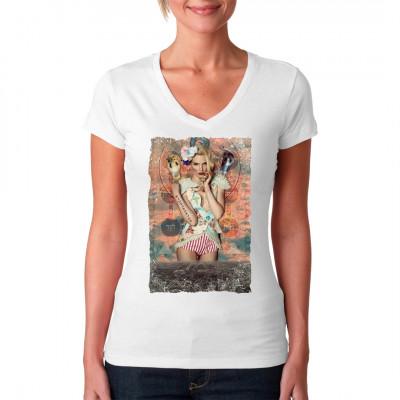 Scharfes Girl mit Schlangen. Das mystische Motiv mit seinen Zeichen und Andeutungen lässt viel Raum für Interpretationen.