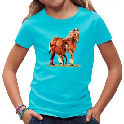 T-Shirt Motiv - Stute mit Fohlen,  denn ein Pferd kommt selten allein.   Tolles Pferdemotiv für alle Tierfreunde.