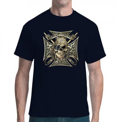 """Piraten Totenkopf auf einem eisernen Kreuz mit gekreuzten Säbeln und Schriftzug """"Loyal To None"""""""