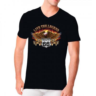 """Cooles Biker - Motiv Mit Flammen unterlegter Adler auf einem Route 66 - Zeichen, umrahmt vom Schriftzug """"Live the legend - America's highways"""""""