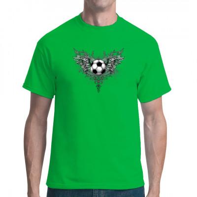 Fetziges Fußball-Motiv: Fußball mit Flügeln im Gothic-Stil Egal ob bei der Regionalliga oder zur WM, dieses Shirt passt einfach überall.