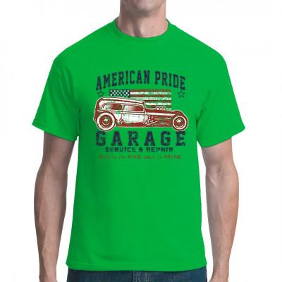 Motiv: American Pride Garage Cooler alter Hot Rod vor der US-Flagge. Für jeden geeignet der auf alte aufgemotzte Ami-Schlitten steht.