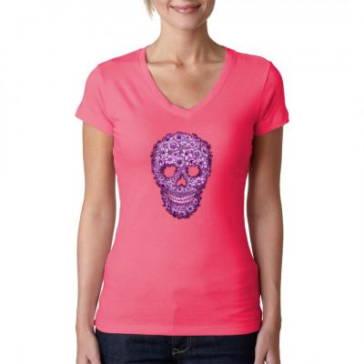 T-Shirt Motiv: Flowered Skull  Cooler Totenschädel bestehend aus lila Blüten. Mal ein etwas anderes Totenkopf-Motive.
