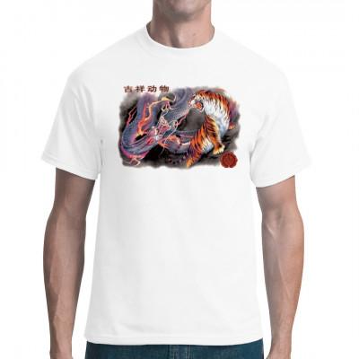 Asiatisches Shirtmotiv: Tiger und Drachen im Kampf typisch chinesische Kunst